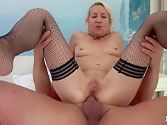 Charly Sparks – Blonde French Newbie Goes For Amateur Mature Sex, Gets Cum In Mouth