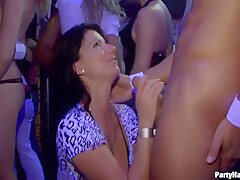 Partyhardcore 40, Blonde Amateur – Cocosex59, Electra Angels And Eden Young